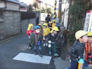 凧あげお散歩 (2)