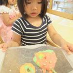 ひよこ組 6月17日(木) 小麦粉粘土で遊んだよ。